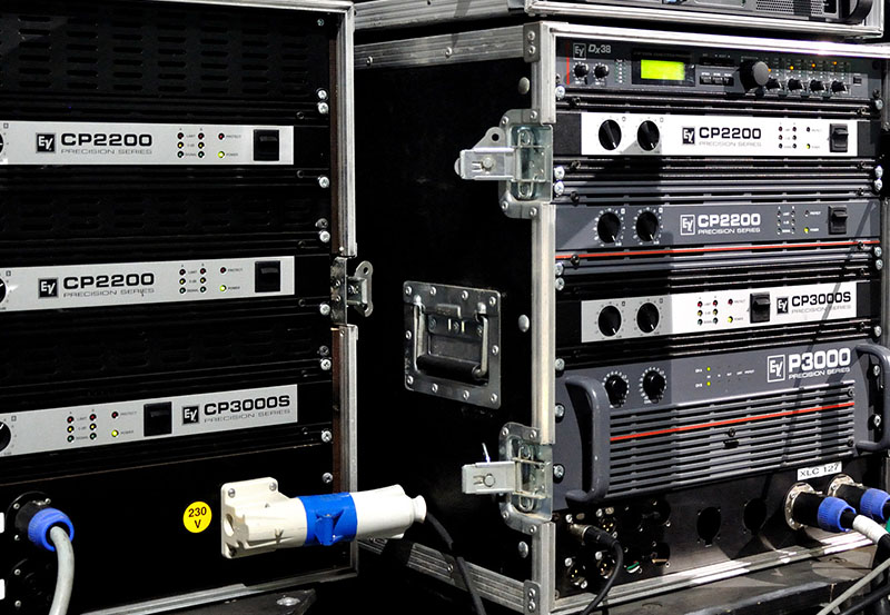 Dynacord electro voice amplifiers line array